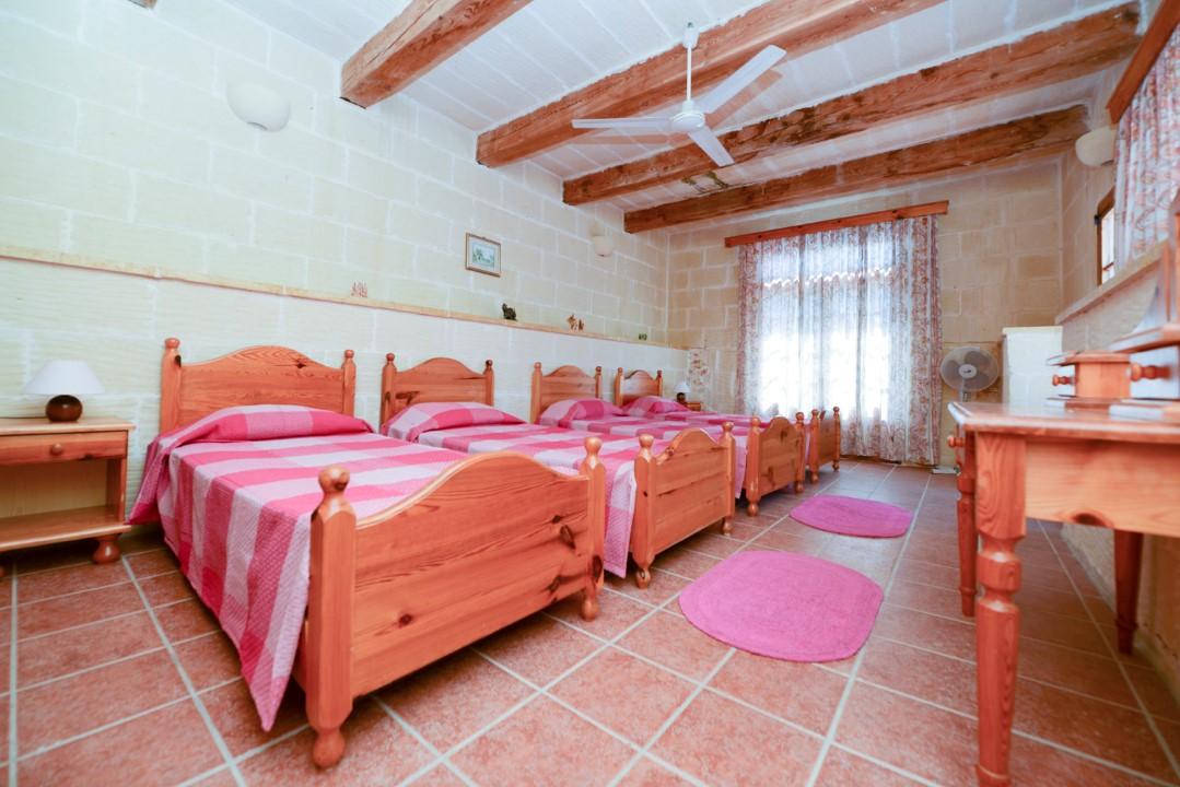 Quadruple Single Bedroom